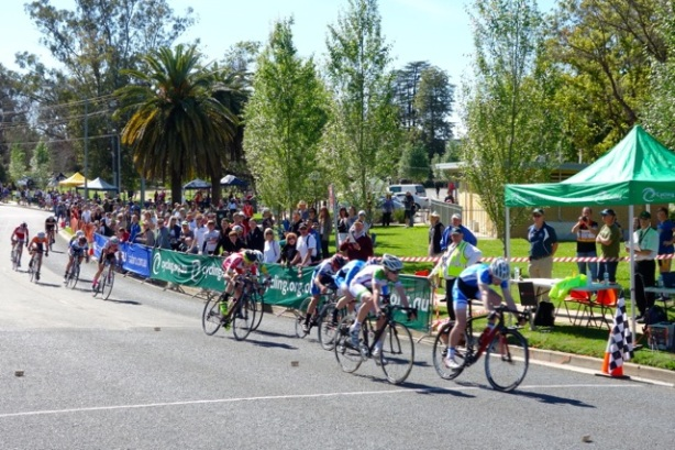 Sebastian powers to second place in Wagga at the JM15 National Criterium Championships in September.