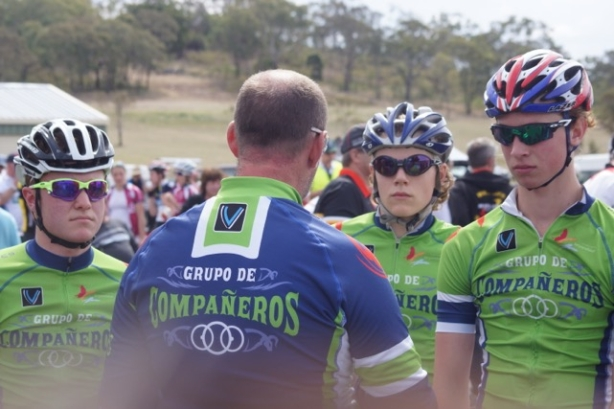 Team Manager, Paul Parlevliet, with a bit of pre-race chat at the 2014 Junior Road Champs in Toowoomba (l-r: Hamish Weber, Paul Parlevliet, C-J, Kallum Parlevliet (NB: Kallum would go on to win silver in the road race.)