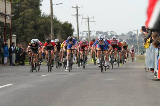 Hart - centre in VIS colours and black and red helmet - contesting the sprint finish in the road race at the recent Shepparton JT.
